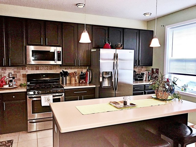 Immaculate Townhome for extended stay, holiday rental in Willernie
