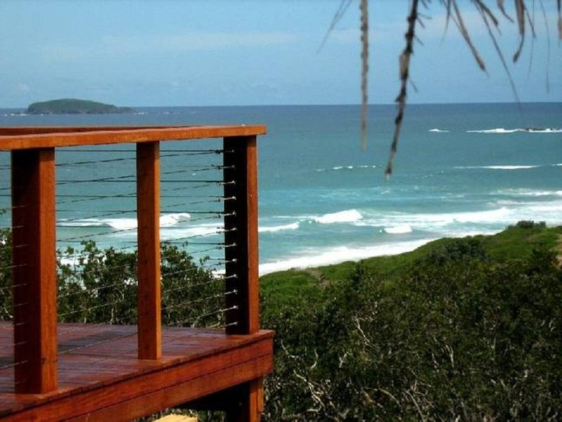 Headland Beach-House & Boat-Shed, holiday rental in Mullaway