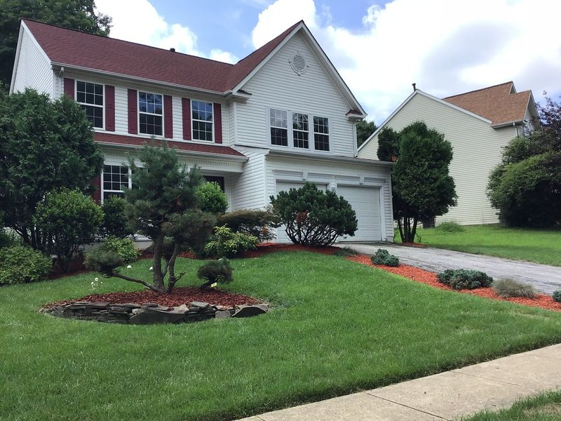5 Bedroom House - MGM National Harbor - Top Golf, vacation rental in Cheltenham
