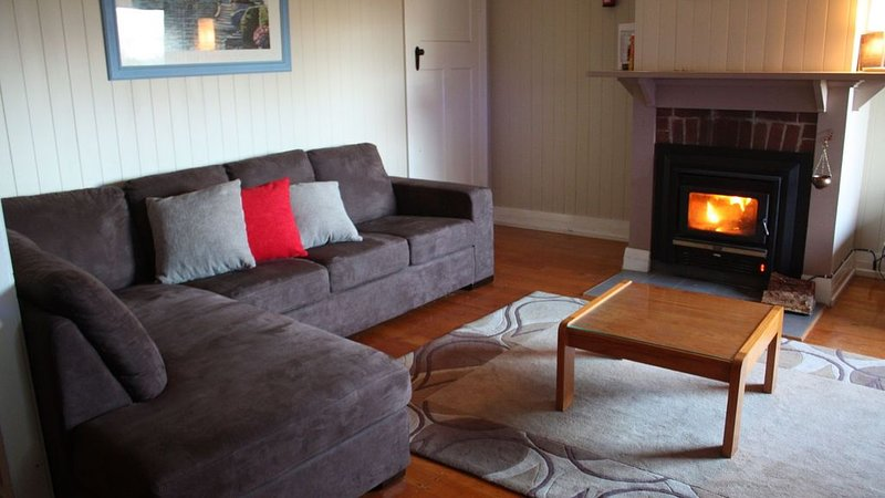 Wisteria Place - located at Stanthorpe, holiday rental in Liston