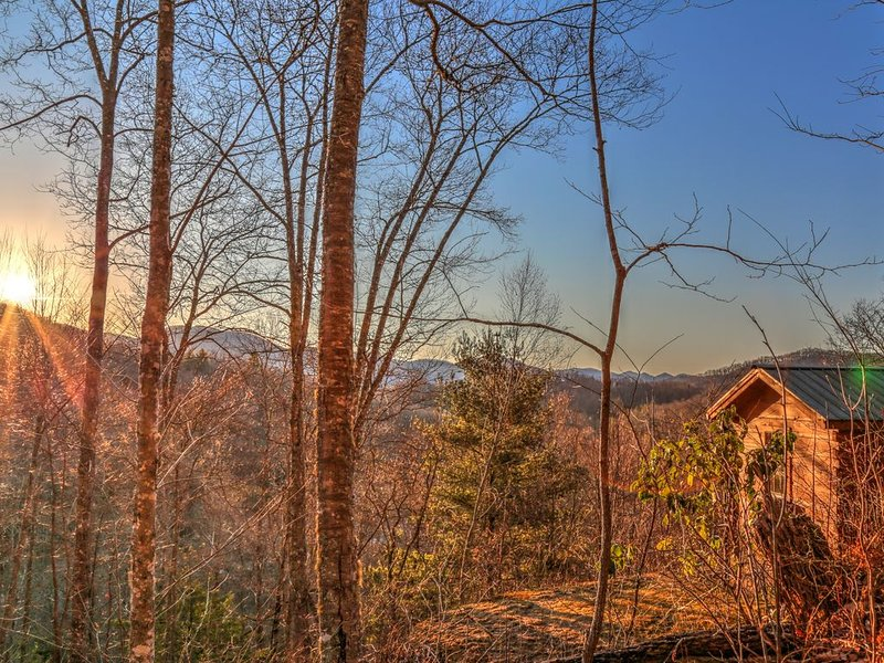 //Smawlie\\Secluded*Peaceful*Spectacular Mountain Views*Near Nantahala Lake*Hike, Ferienwohnung in Andrews