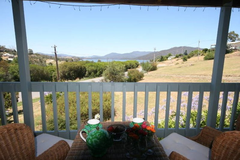Mont Bay Chalet - Goughs Bay, holiday rental in Alexandra