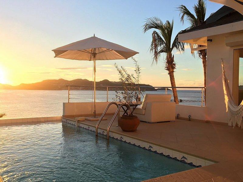 2 bedroom villa with infinity pool pointe Milou, casa vacanza a Pointe Milou