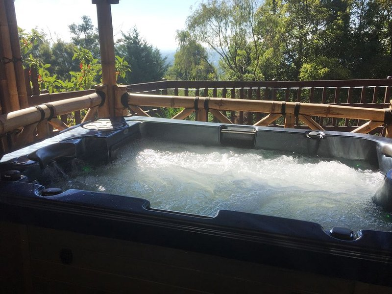 Mountview Spa Cottage - Dandenong Ranges., holiday rental in Croydon