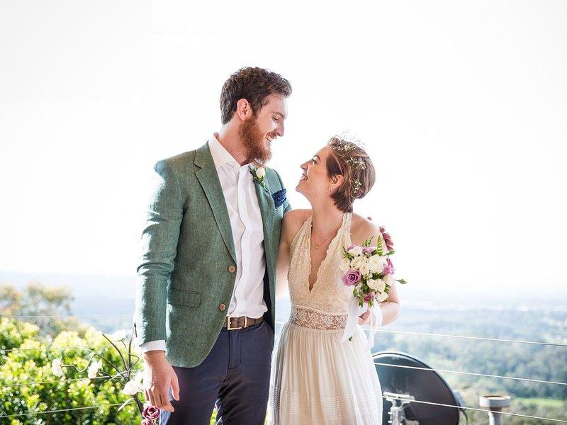 Casamento no deck do Mountview Spa Cottage