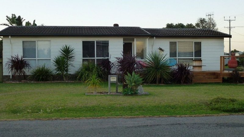 Short Walk to Beach, surf point & all Middleton amenities, holiday rental in Middleton