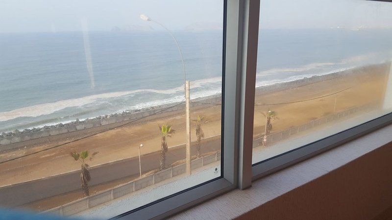 15 min from airport Brand new apartment, vacation rental in Callao