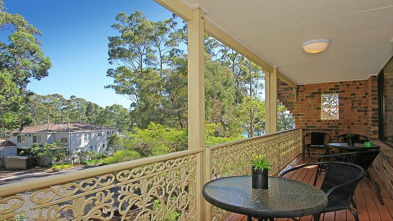 Edgewood Place 1/3 The perfect Complex, holiday rental in Batehaven