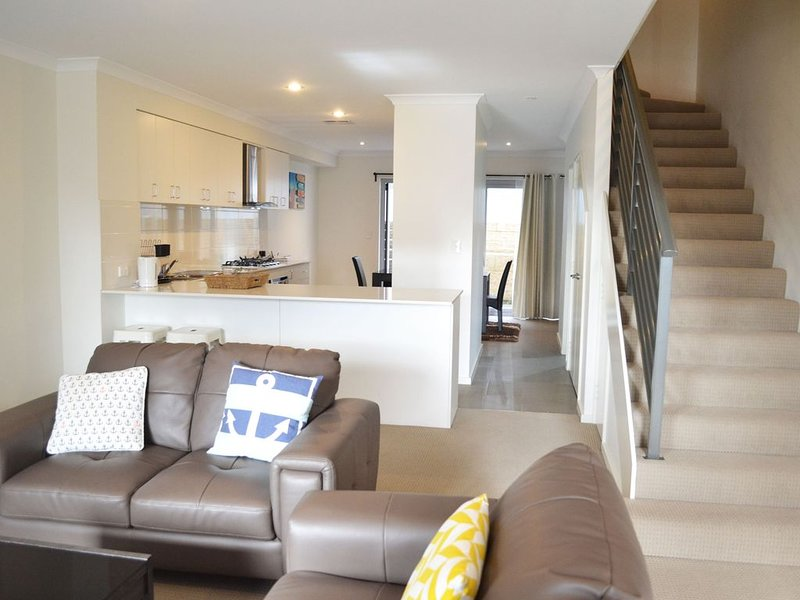 North Coogee Beach House, holiday rental in Spearwood