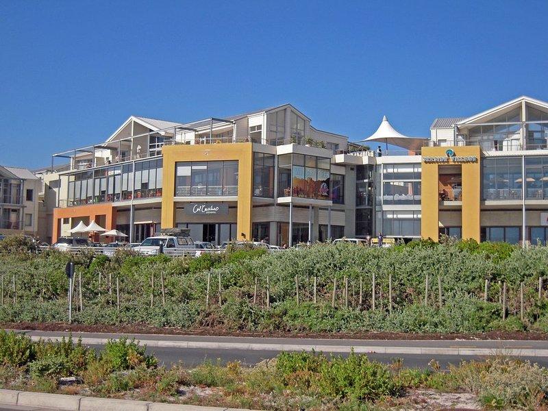 Seaside Deluxe Apartment, upmarket self catering accommodation in Big Bay, alquiler de vacaciones en Melkbosstrand