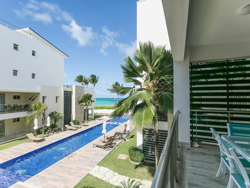 Just Beachy, 2BR Private Beach, Walk Everywhere!, vacation rental in Punta Cana
