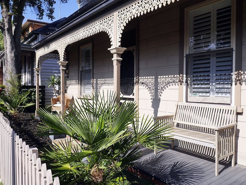 Mulberry - Walk to MCG & Heart of Richmond, vacation rental in Richmond