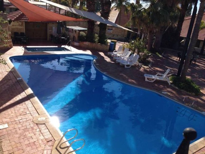 Mandurah escape and relax villa!!, vacation rental in South Yunderup