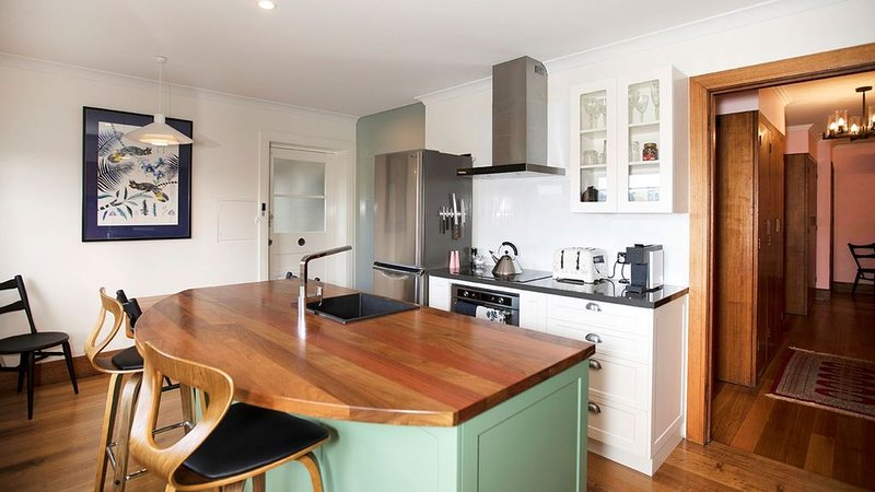 Caradi Apartment-self contained luxury, holiday rental in Launceston