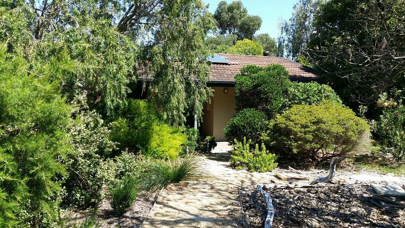She-oak Cottage - Stroll to the beach (PET friendly), holiday rental in Somers