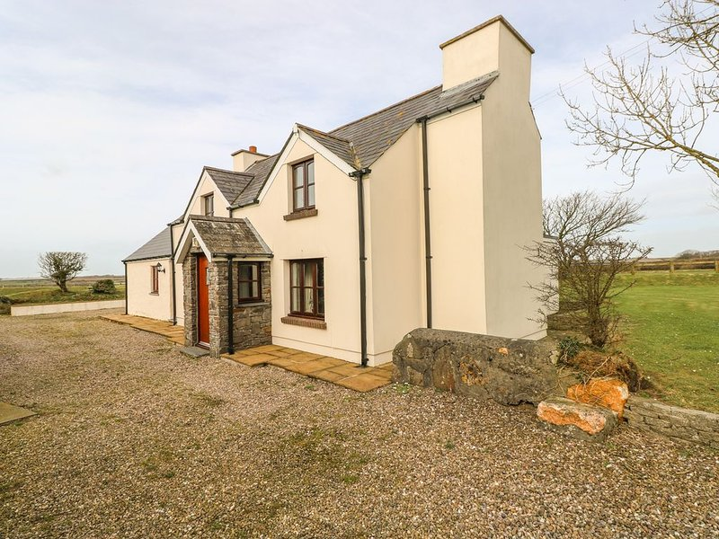 Maerdy Lodge, SOLVA, holiday rental in Newgale
