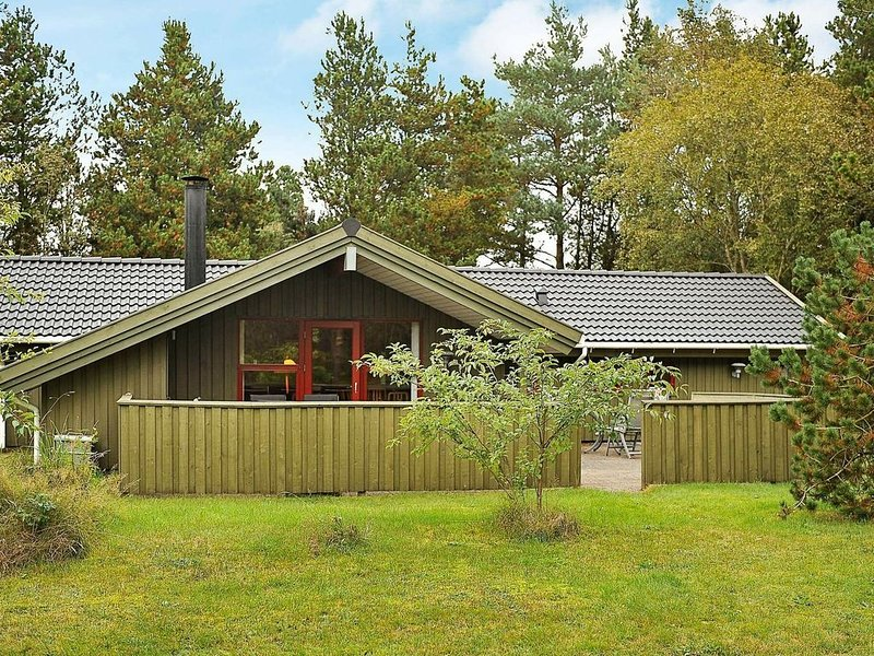 Secluded Holiday Home in Jutland with Whirlpool, Ferienwohnung in Noerre Nebel