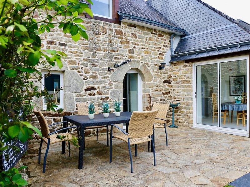 Maison typique  avec jardin- plages 400 m - animaux bienvenus, location de vacances à Arradon