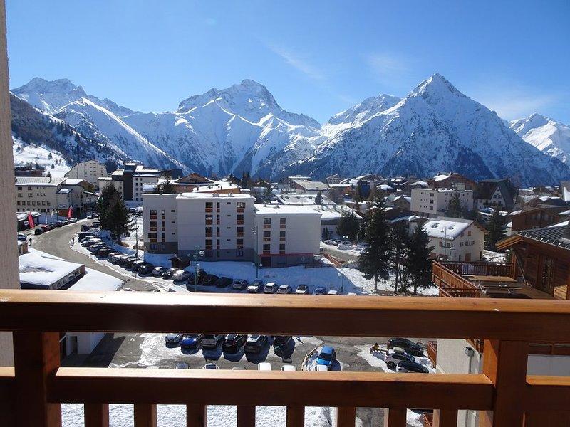 Grand appartement lumineux, central, pieds des pistes, 6/8 personnes,, alquiler vacacional en Mont-de-Lans