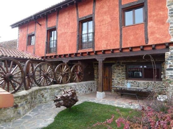 Casa rural en la Montaña Palentina con jardín,  ideal para hacer senderismo, holiday rental in Dobres