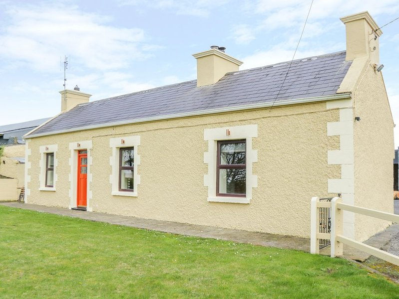 Glor Cottage, KNOCK, COUNTY MAYO, holiday rental in Castletownshend