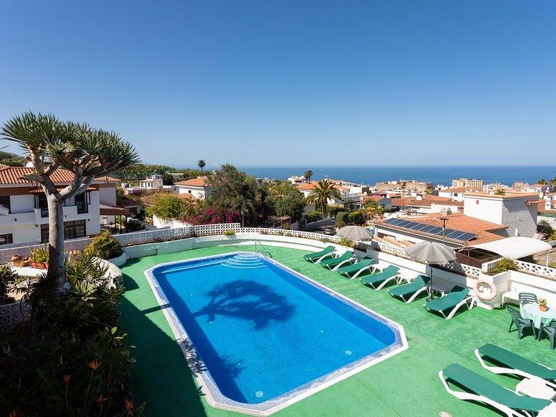 Nice Apartment with Pool, Wifi, Parking, Garden and relax ;), holiday rental in Puerto de la Cruz