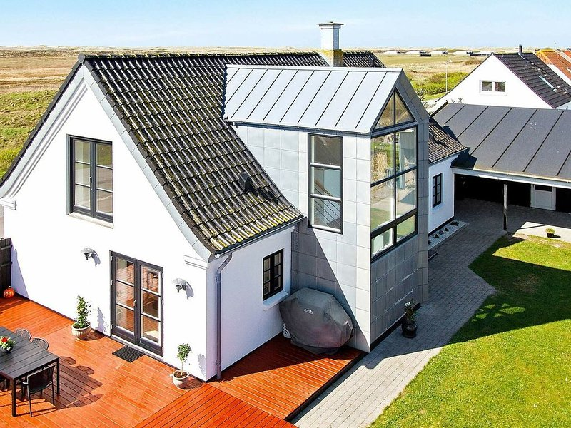 Luxurious Holiday Home in Jutland with Whirlpool, location de vacances à Ydby