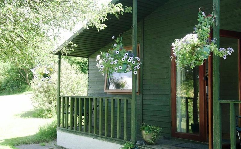 The Cabin at Blaen Cedi Farm - New for July 2019, holiday rental in Penclawdd