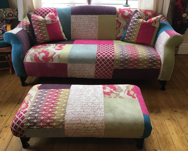 4 bedroom house with stunning views | Sleeps 8 | Overlooking Colwyn Bay, holiday rental in Trofarth