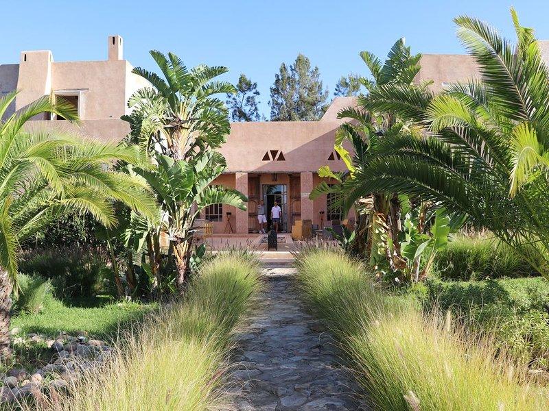 Prachtige villa in kasba stijl met verwarmd zwembad en petanque piste!, location de vacances à Essaouira