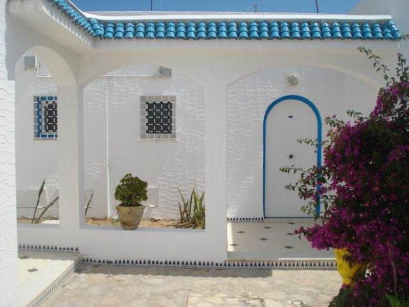 notre bungalow  est gardée  situé ala rue de nevers en face de l'hotel miramar, location de vacances à Hammamet