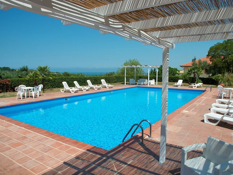 Apartments in Cilento with pool, vacation rental in Santa Venere