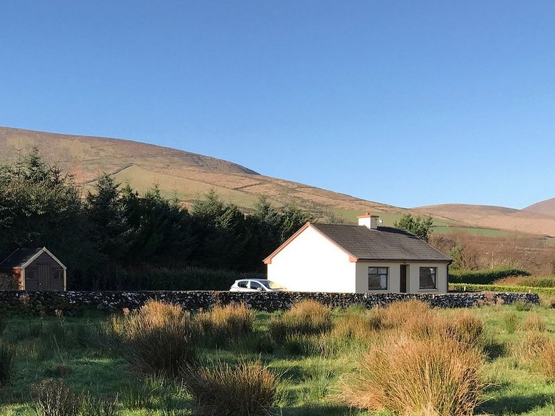 Sruthan Beag, VENTRY, COUNTY KERRY, holiday rental in Dunquin