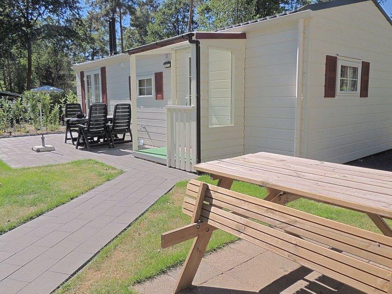 Carefully furnished chalet with a nice garden, in nature, Ferienwohnung in Beekbergen