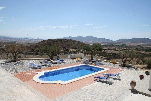 Casa rural (alquiler íntegro) Paraje Las Rocas para 8 personas, holiday rental in Lorca