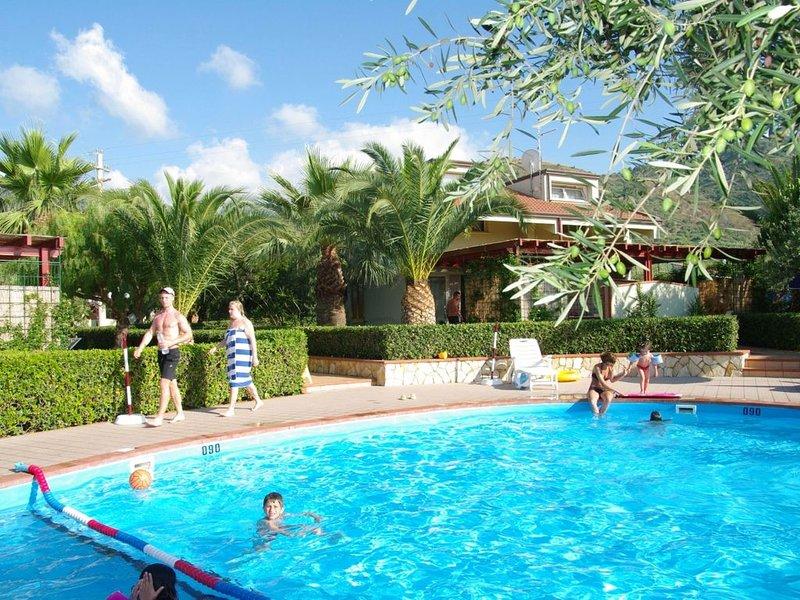 Semi-detached Villa with Swimming Pool, 600 Meters from a Sandy Beach !, location de vacances à Mazzaforno