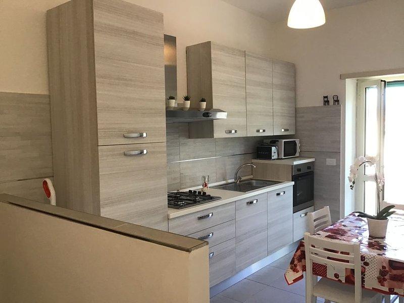 Melograno.. delizioso appartamento a 100m dal mare, location de vacances à Minturno