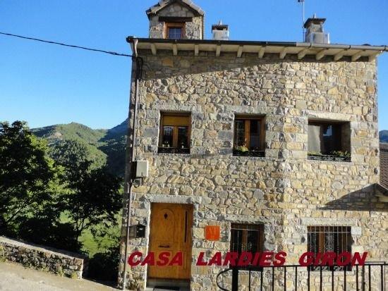 Casa Lardies para 8 personas, alquiler vacacional en Belsierre