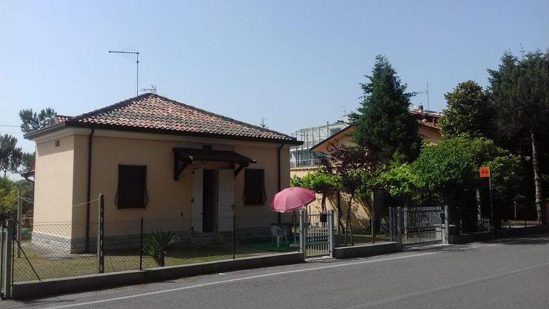 Casa Giambi a due passi dalle spiagge e dal centro di Igea Marina, vacation rental in Longiano