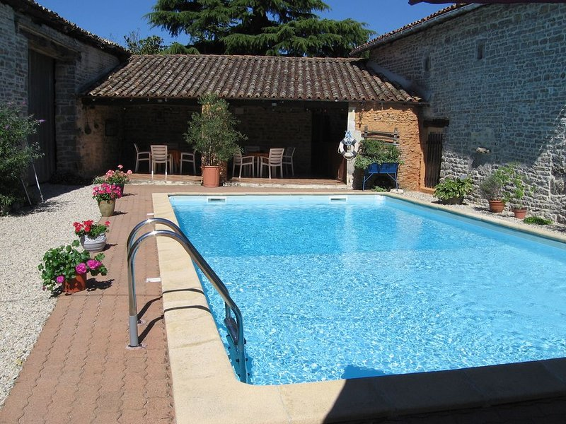 Family friendly holidays ideal for relaxing with activities nearby, holiday rental in Vaux
