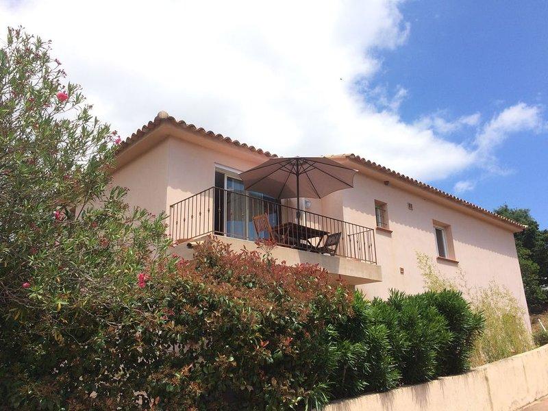 Superbe appartement de type méditerranéen dans résidence très calme., alquiler de vacaciones en Sainte Lucie de Porto-Vecchio
