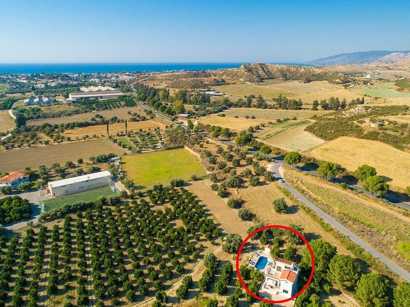 Vista aérea da Villa Charoula Tessera