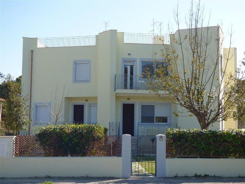 Appartamenti fronte mare, holiday rental in Tirrenia