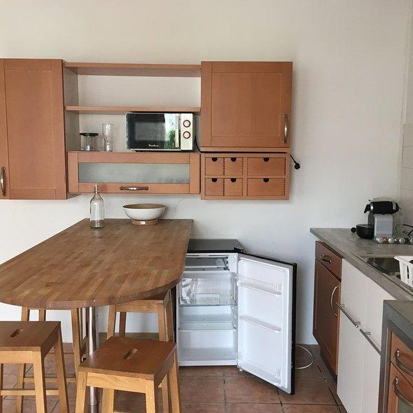 Petite maison indépendante en centre ville, location de vacances à Bellerive-sur-Allier