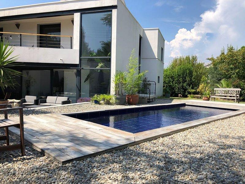 Villa Architecte La Garde avec piscine pour 8 personnes entre Bandol et Hyères, location de vacances à La Garde
