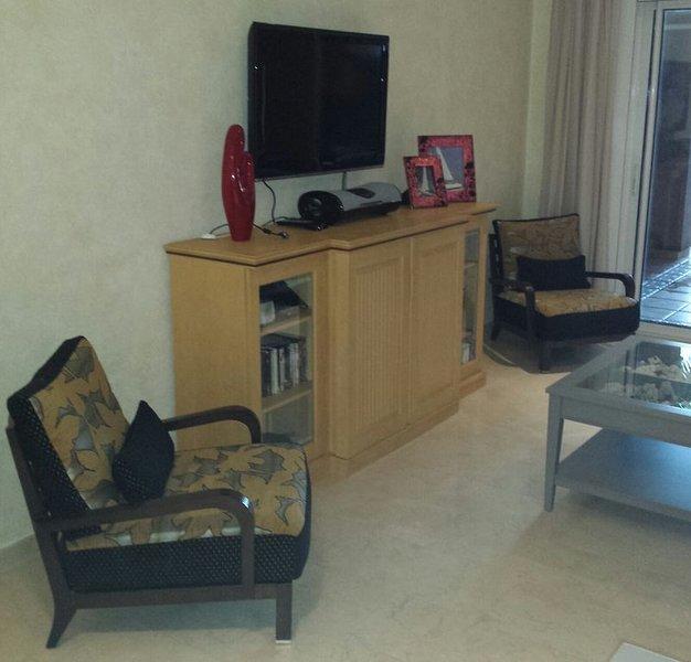 El Nautico Suites Luxurious Apartment,  - Free WiFi - in Apartment., holiday rental in Los Abrigos