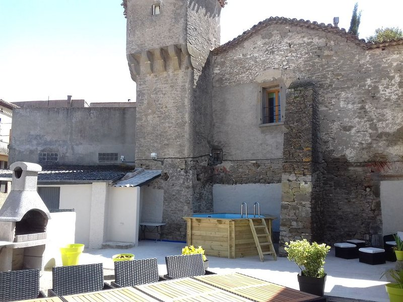 MAISON 11 PERSONNES 10 MN DE LA CITE DE CARCASSONNE, vacation rental in Aragon