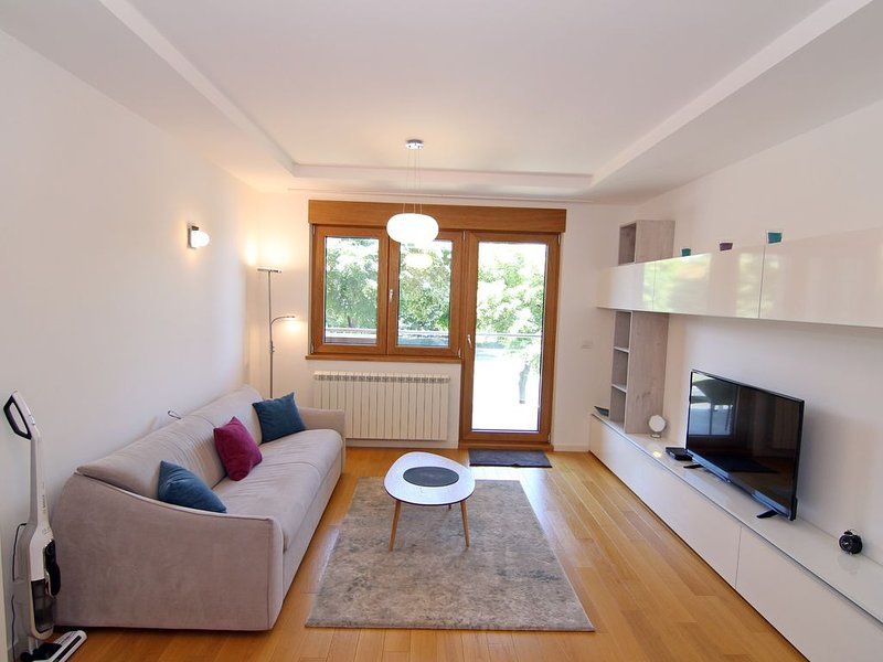New Belgrade 1BD suite A BLOK, Ferienwohnung in Obrenovac