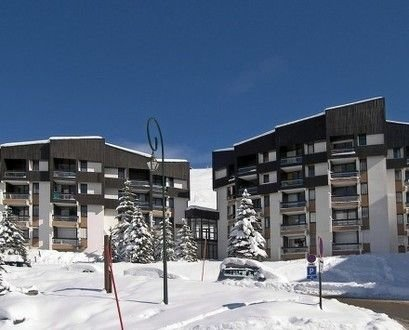 Apartment for 5 right on the slopes (2nd apartment same building see 415228), alquiler de vacaciones en Les Menuires