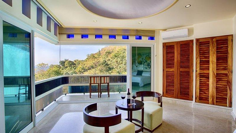 LUXURY WATERFALL SUITE, holiday rental in Boca de Tomatlan
